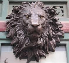 portada arquitectonica de bronce