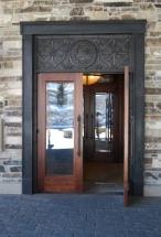 arco de puerta en bronce