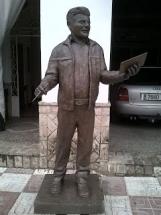 escultura de hombre