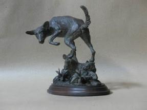 perro de bronce