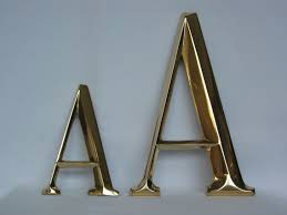 letras de bronce